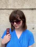 Game of Thrones-Star Maisie Williams mit Sea2see Sonnenbrille